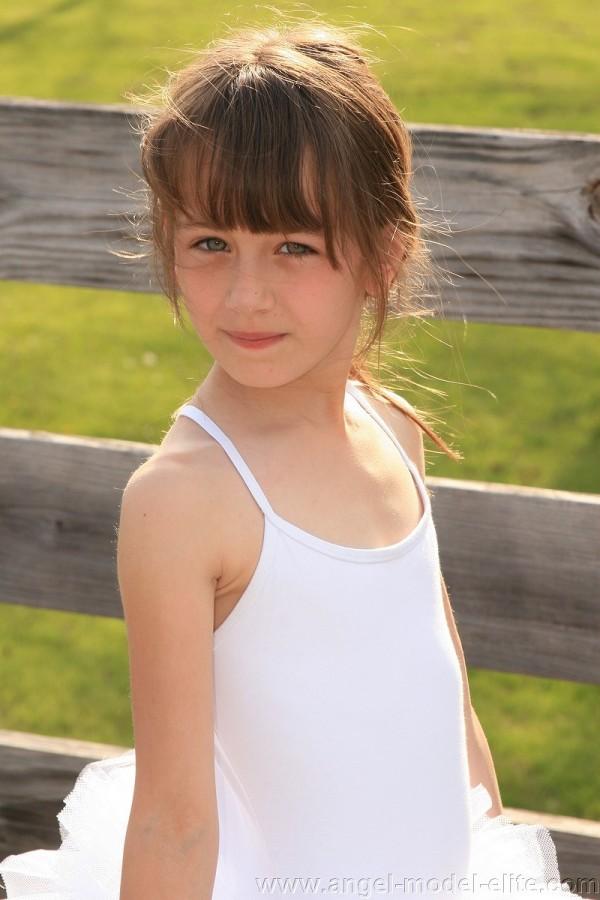 洋ロリ美少女エロ画像。詳細は以下に記載します。