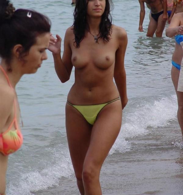 nudistbeach0828335
