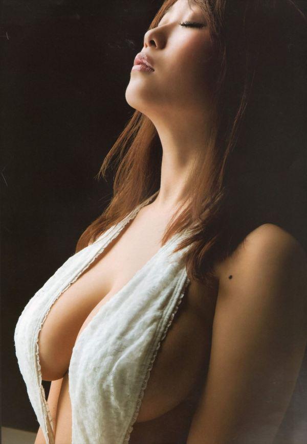 ハミ乳横乳おっぱいエロ画像11