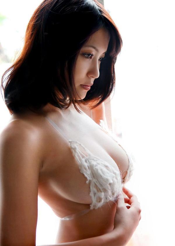 ハミ乳横乳おっぱいエロ画像27