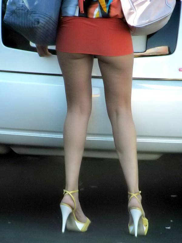 タイトスカートの美脚エロ画像09