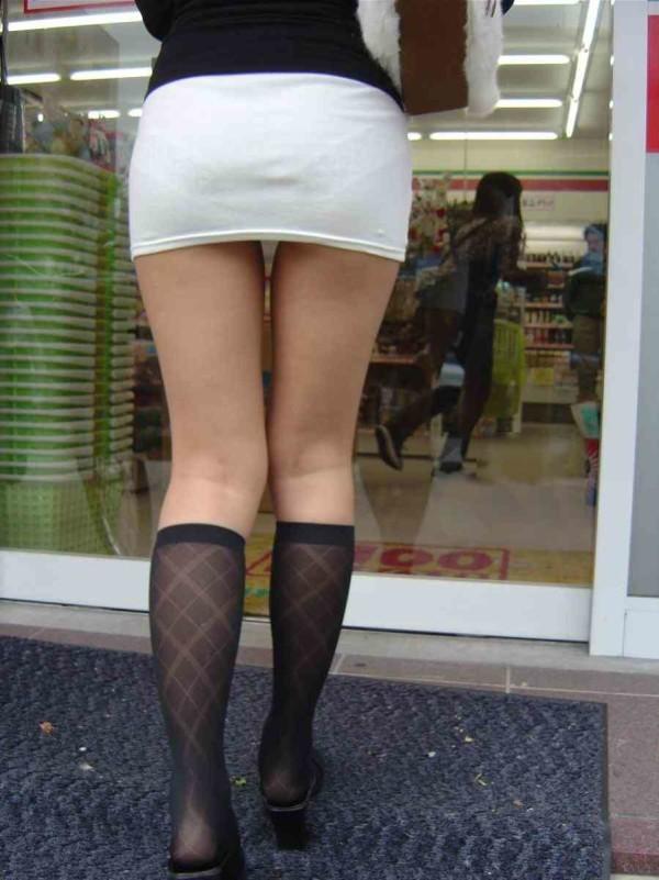 スカート透けパンエロ画像11
