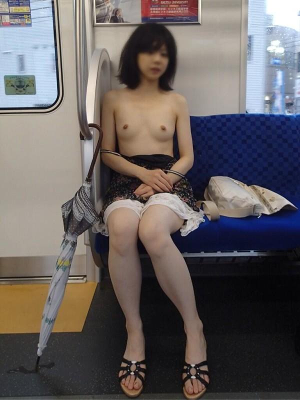 変態女の野外露出エロ画像18