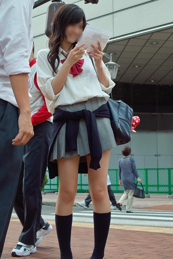 街撮りJK美脚画像12