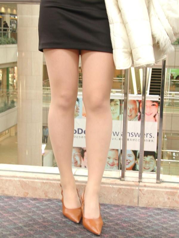 タイトスカートの美脚エロ画像14