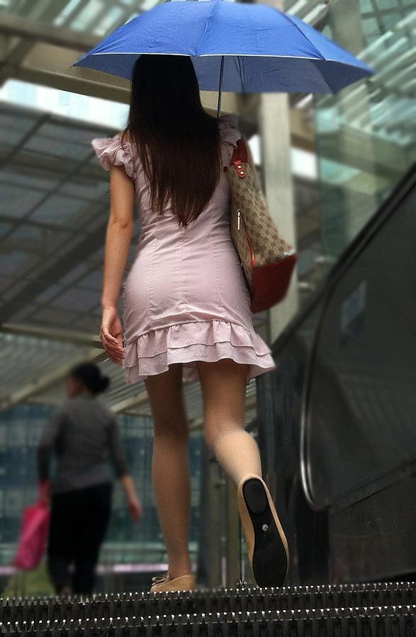 街撮り美脚エロ画像16