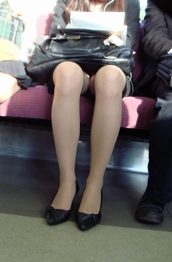 電車内盗撮のエロ画像07