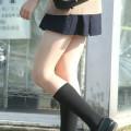 通学中に見かける制服JKの健康的な美脚を見るとムラっとしちゃうwww