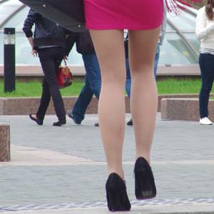【エロ画像】【街撮りエロ画像】お姉さんの美脚がセクシー過ぎてガン見するわwww