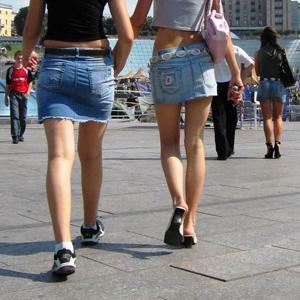 モデルすぎる外国人のスラリと伸びた美足が本当に色っぽい過ぎるなwwwwww