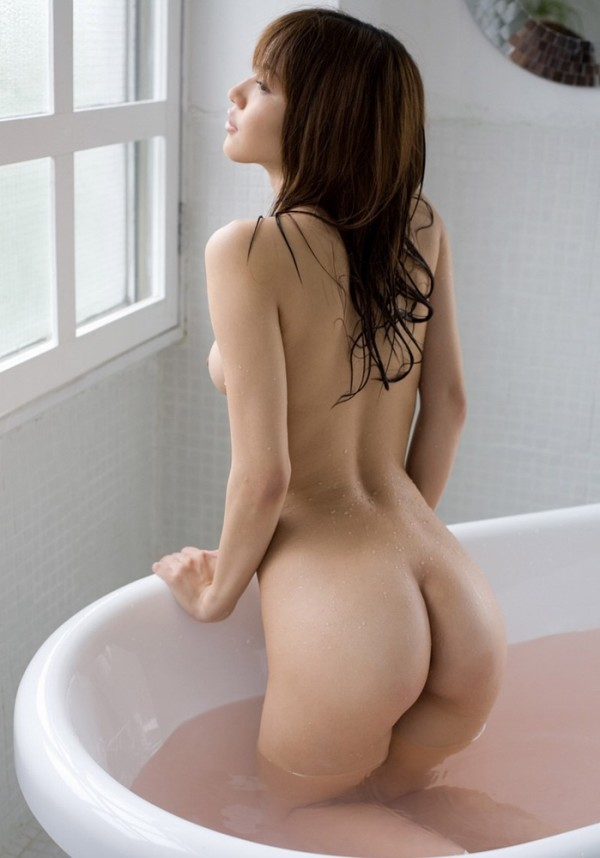 お風呂に入浴中のお姉さん17
