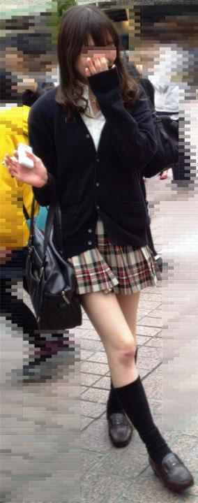 街撮りJK美脚エロ画像07