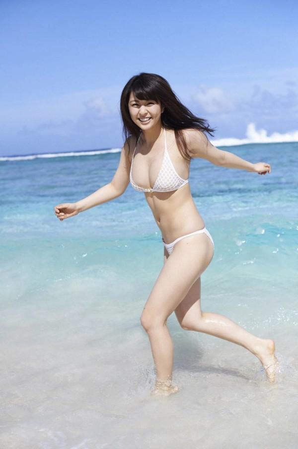 柳ゆり菜のグラビア画像09