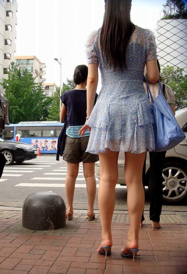 素人街撮り美脚エロ画像09