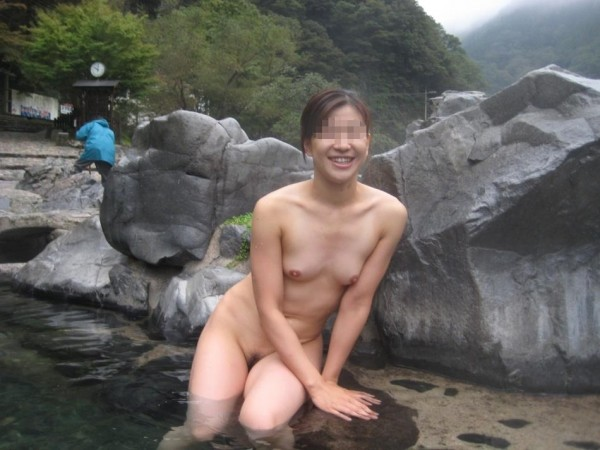 露天風呂盗撮エロ画像19