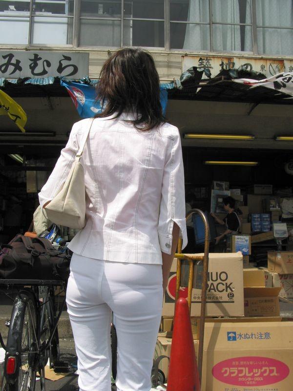 街撮り透けパンエロ画像05