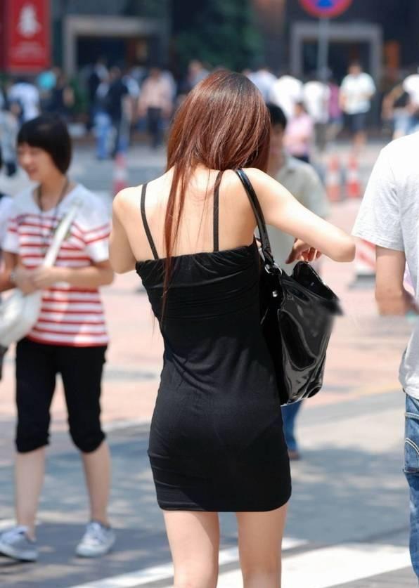 街撮りセクシー美脚エロ画像04