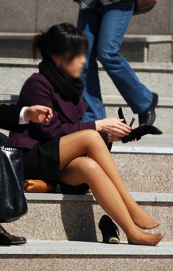 街撮りセクシー美脚エロ画像01
