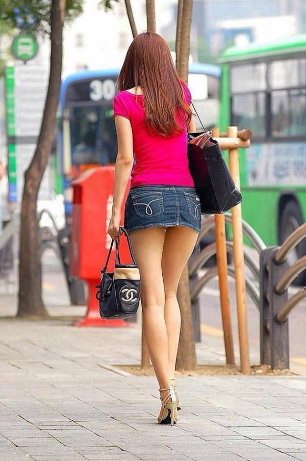 街撮り美脚エロ画像12