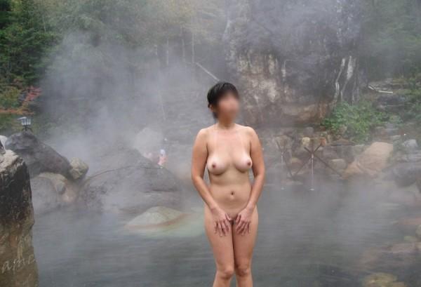 露天風呂盗撮エロ画像12