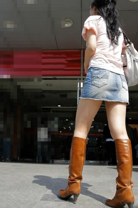 素人街撮り美脚エロ画像12