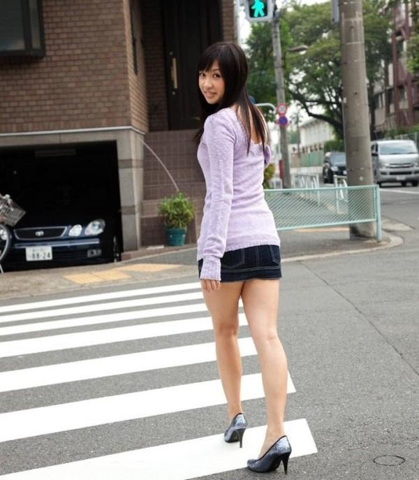 街撮りセクシー美脚エロ画像10