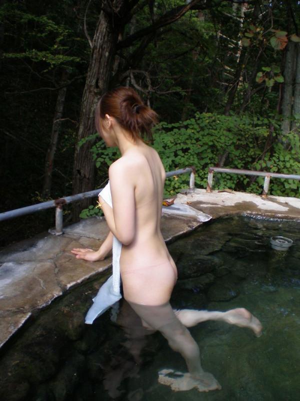 露天風呂盗撮エロ画像10