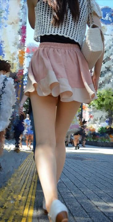 素人街撮り美脚エロ画像10