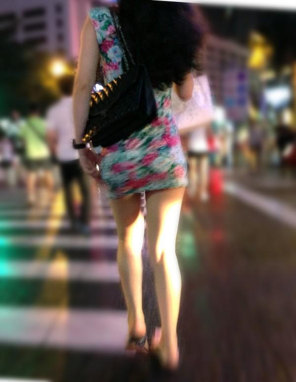 街撮りセクシー美脚エロ画像08