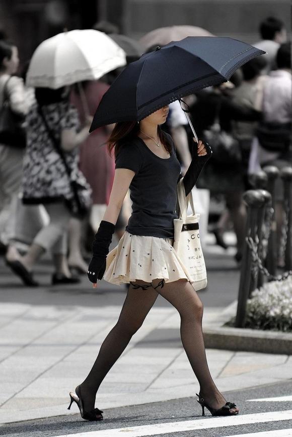 ミニスカート素人エロ画像09