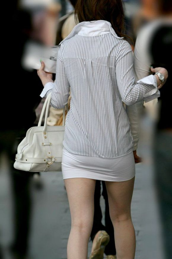 ミニスカート素人エロ画像19