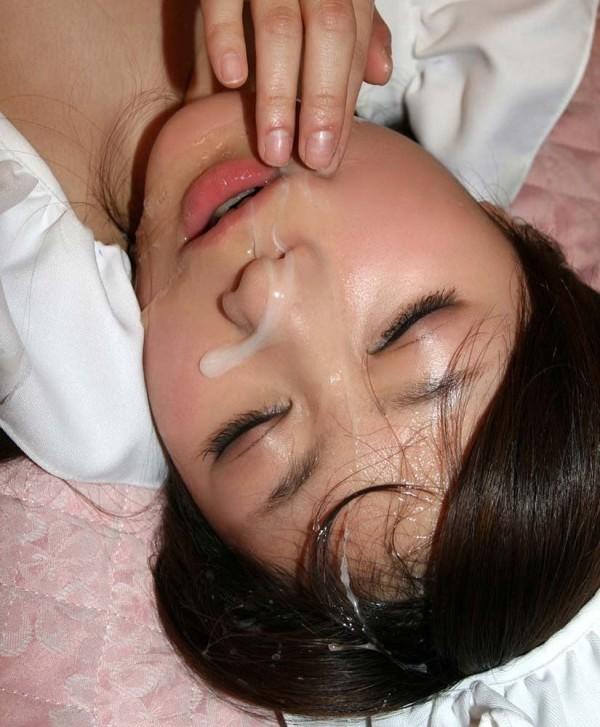 めちゃめちゃ濃い精子を顔にかけられるエロ画像11