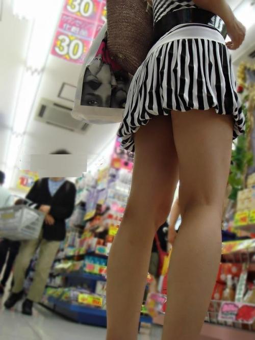 ミニスカート素人エロ画像05