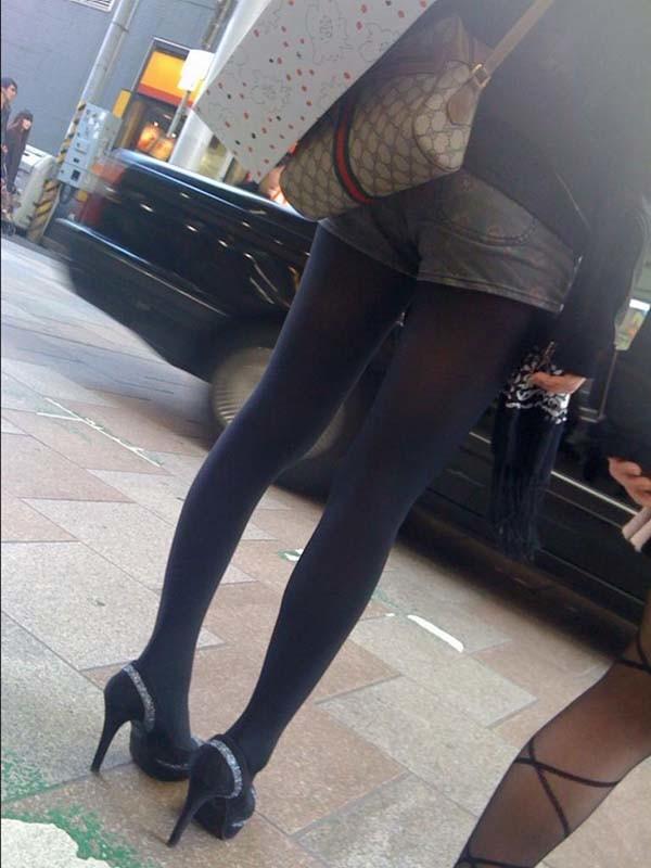 パンティーストッキングを穿いた美しい脚エロ画像04