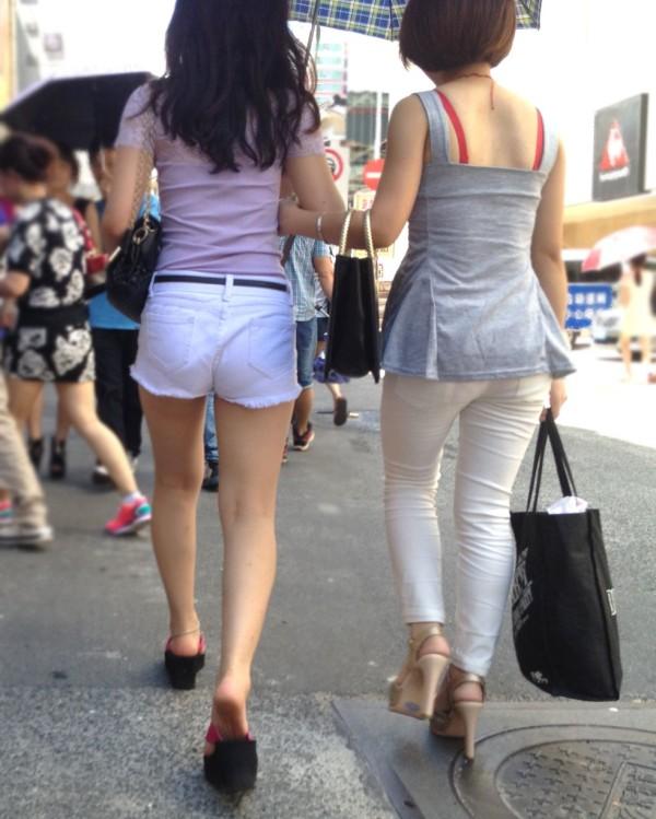 ショートパンツを穿いているエロ画像15