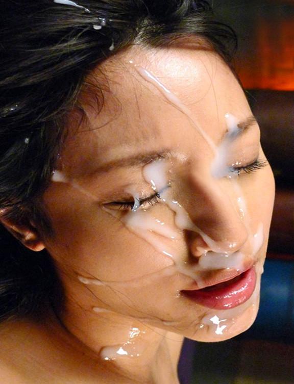 めちゃめちゃ濃い精子を顔にかけられるエロ画像14