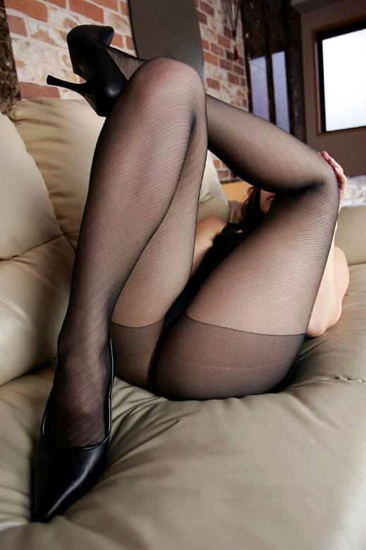 パンティーストッキングを穿いた美しい脚エロ画像14