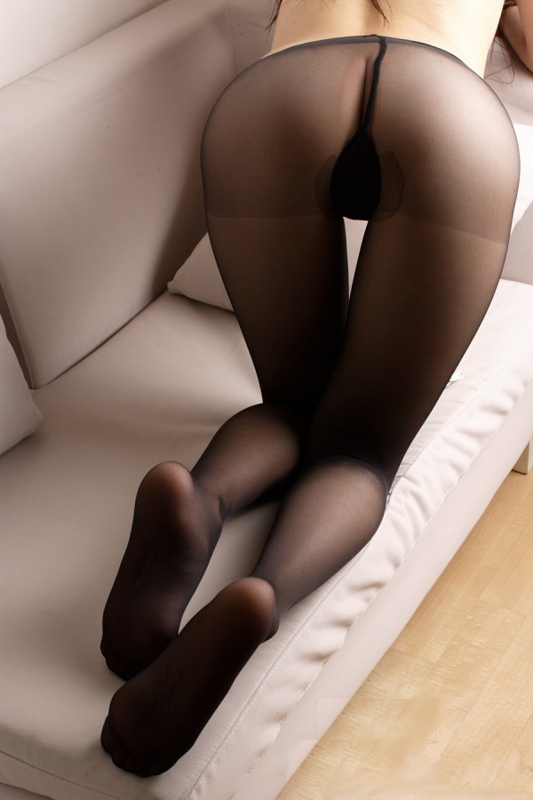 パンティーストッキングを穿いた美しい脚エロ画像03