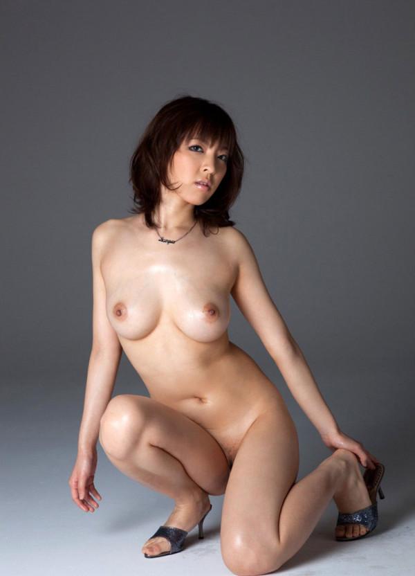 女性の綺麗なヌードエロ画像06