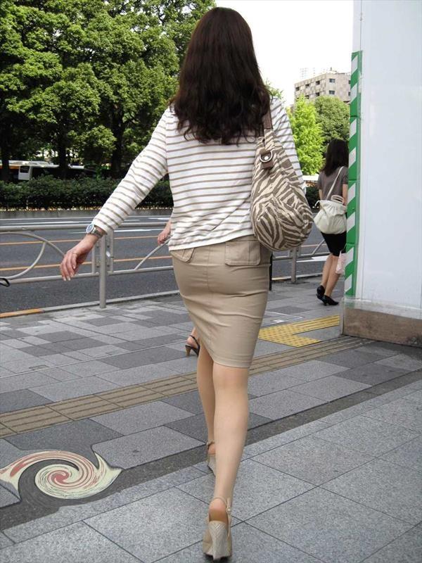 魅力的で美脚エロ画像09