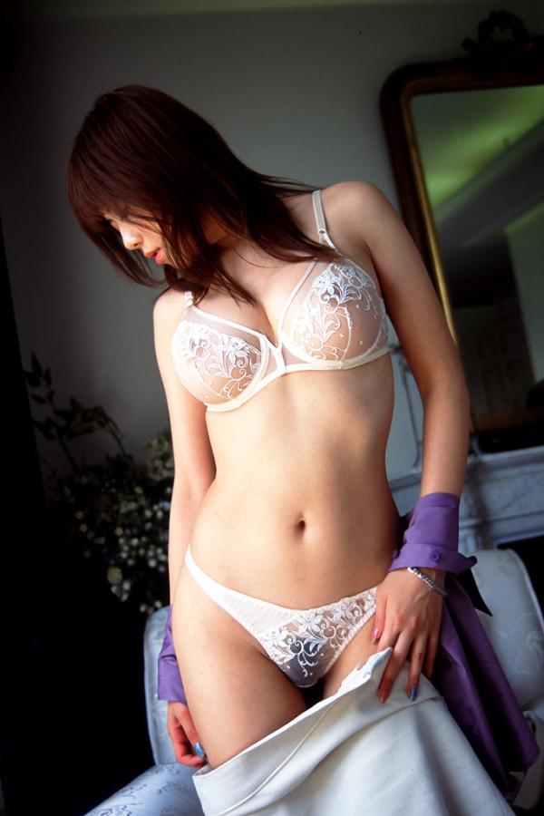 全てが素晴らしくセクシーな美女のエロ画像18