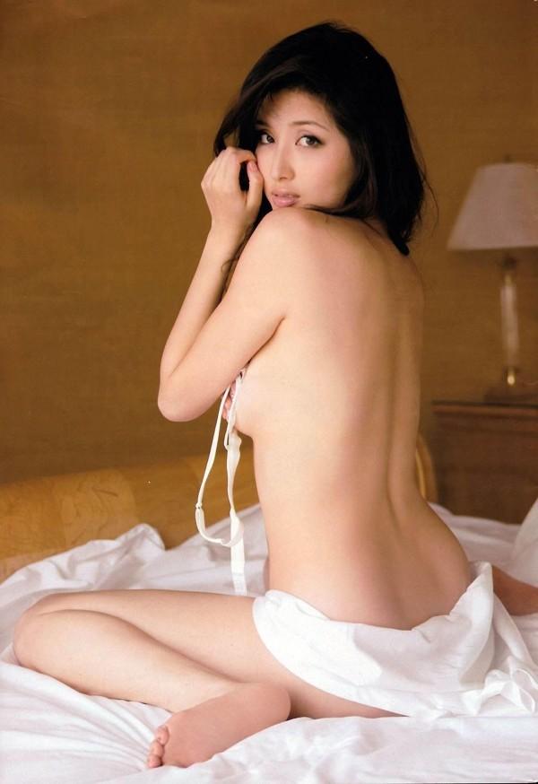 橋本マナミのグラビア画像20