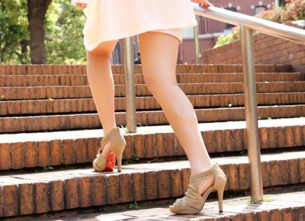 美しいと言われる綺麗な脚エロ画像20