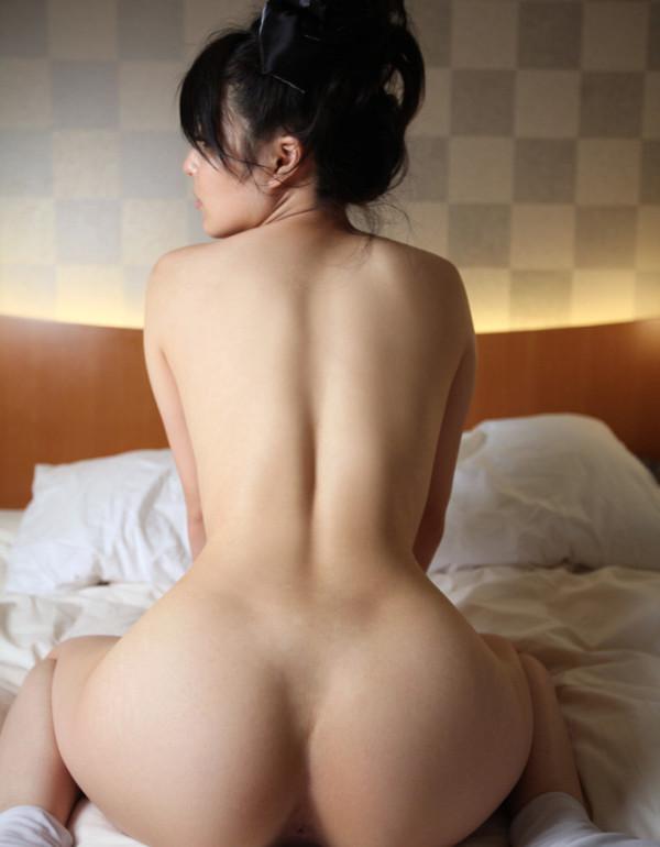 男の欲情を掻き立てる背中エロ画像12