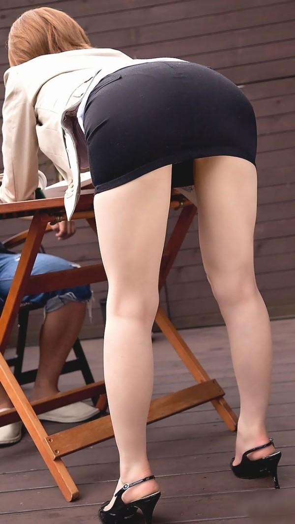 魅力的で美脚エロ画像12