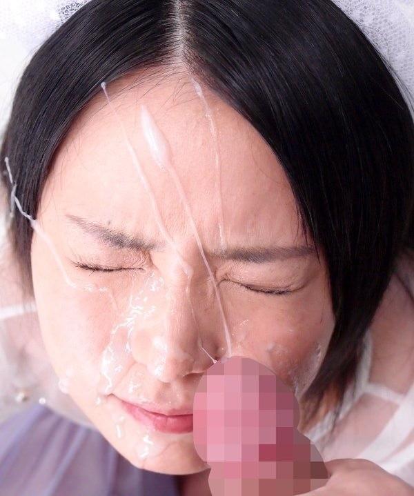顔射された女が悲惨すぎるエロ画像19
