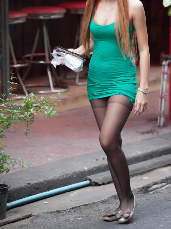 街中で働く美人OLエロ画像05