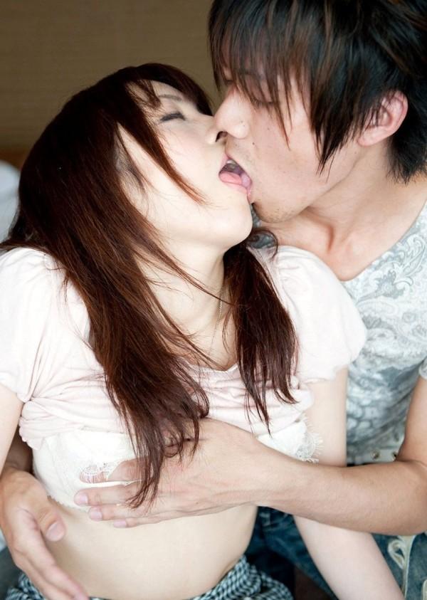思わずキスしたくなっちゃうエロ画像18