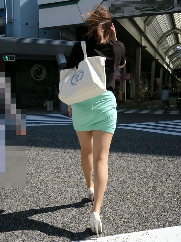 生足や太腿がセクシーでエロ画像05