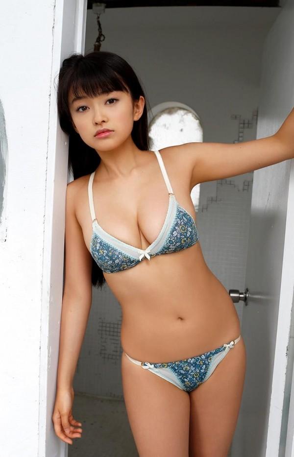 処女の山地まりエロ画像02